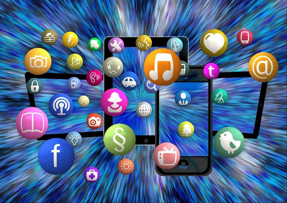 social-media-1453843_960_720